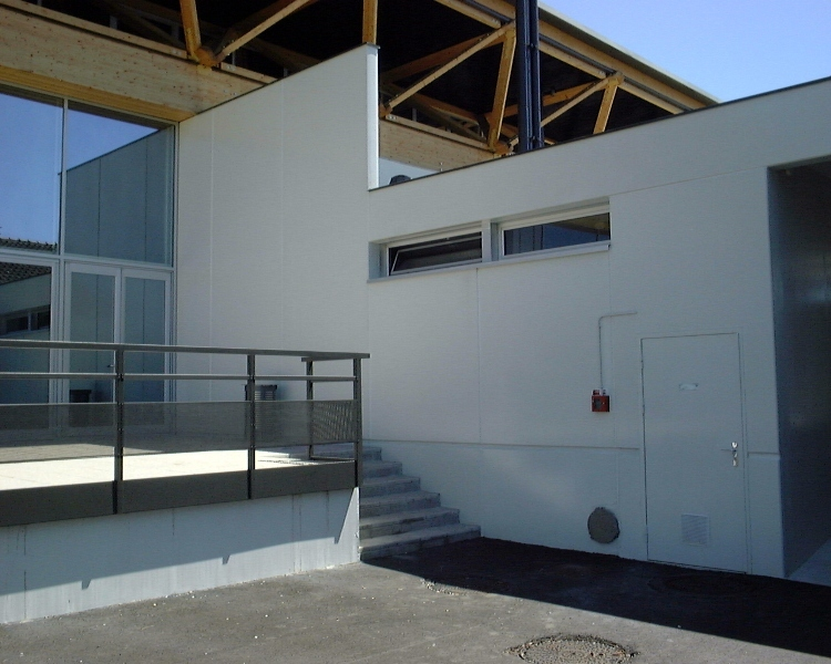 Sofaper chantier de la salle polyvalente de methet lasure prelor 3 sur beton 10
