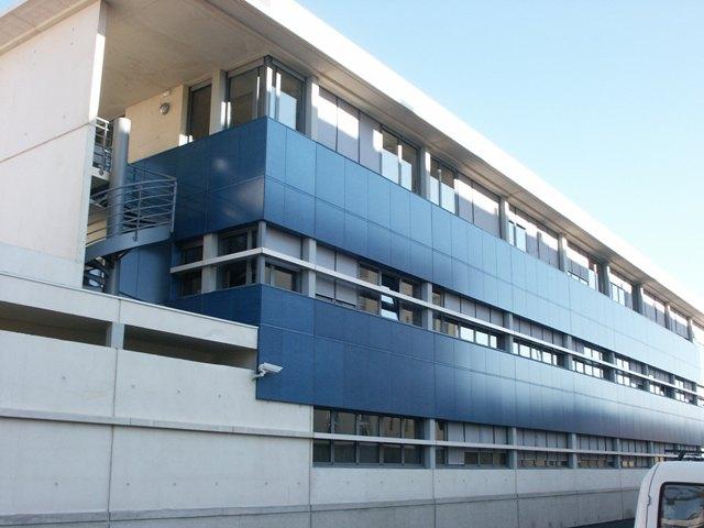 Sofaper eiffage hotel de police de nimes sablage lasure beton et protec hdl 1