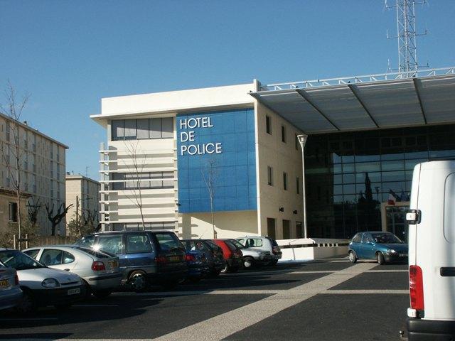 Sofaper eiffage hotel de police de nimes sablage lasure beton et protec hdl 17
