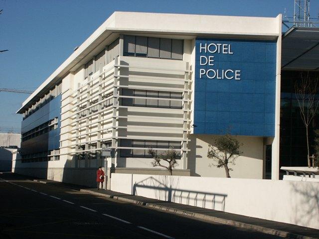 Sofaper eiffage hotel de police de nimes sablage lasure beton et protec hdl 7 1