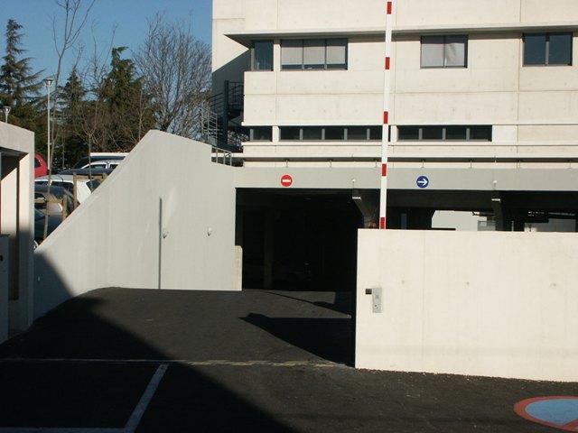 Sofaper eiffage hotel de police de nimes sablage lasure beton et protec hdl 8