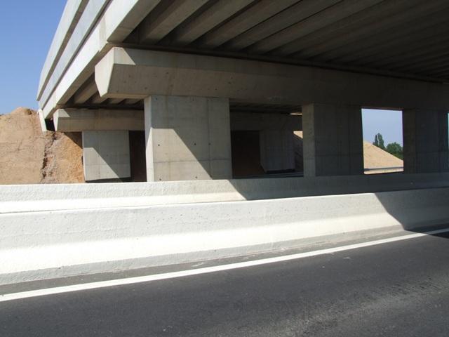 Sofaper eiffage tp chantier lgv perpignan traitement anti graffiti 13