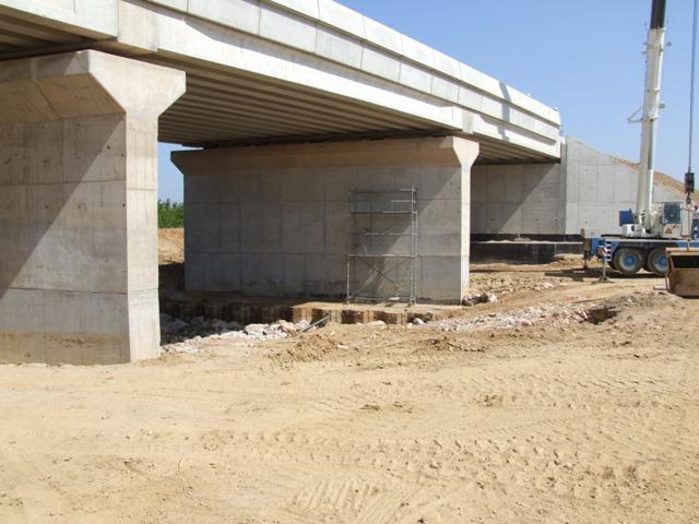 Sofaper eiffage tp chantier lgv perpignan traitement anti graffiti 25