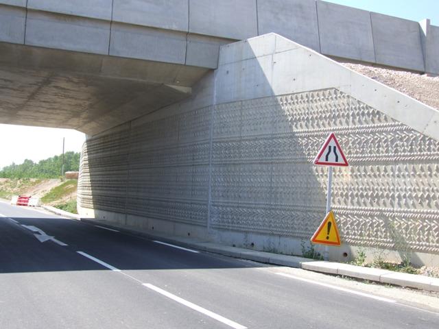 Sofaper eiffage tp chantier lgv perpignan traitement anti graffiti 37