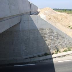 Sofaper eiffage tp chantier lgv perpignan traitement anti graffiti 39
