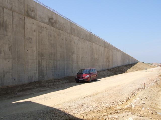 Sofaper eiffage tp chantier lgv perpignan traitement anti graffiti 48
