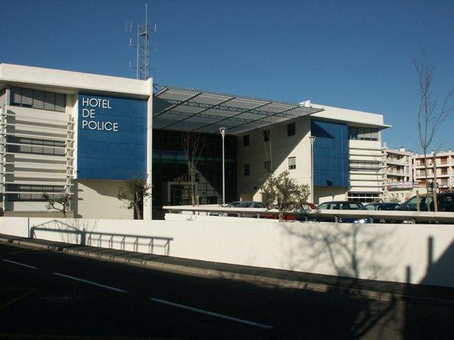 Sofaper eiffage hotel de police de nimes sablage lasure beton et protec hdl 15