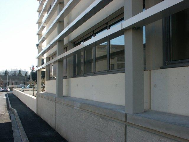 Sofaper eiffage hotel de police de nimes sablage lasure beton et protec hdl 18