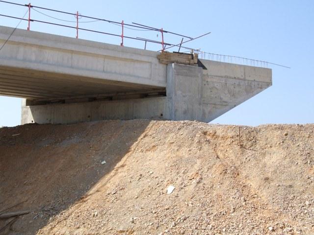 Sofaper eiffage tp chantier lgv perpignan traitement anti graffiti 4