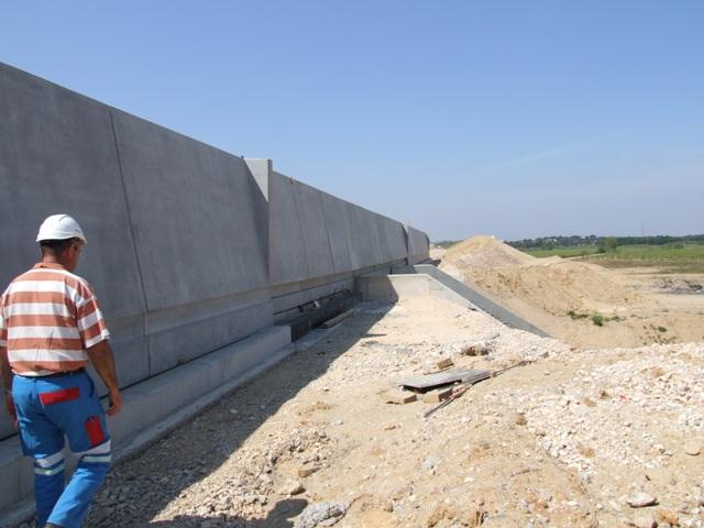 Sofaper eiffage tp chantier lgv perpignan traitement anti graffiti 40
