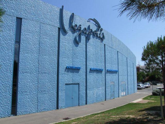 Sofaper patinoire vegapolis a odysseum traitement des beton teinte bleu 6
