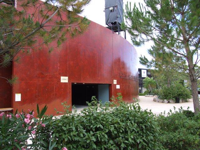 Sofaper Lasure Béton Grace Pieri - Theatre de Verdure Chateau d' O Montpellier ( Lasure Pieri ) 3